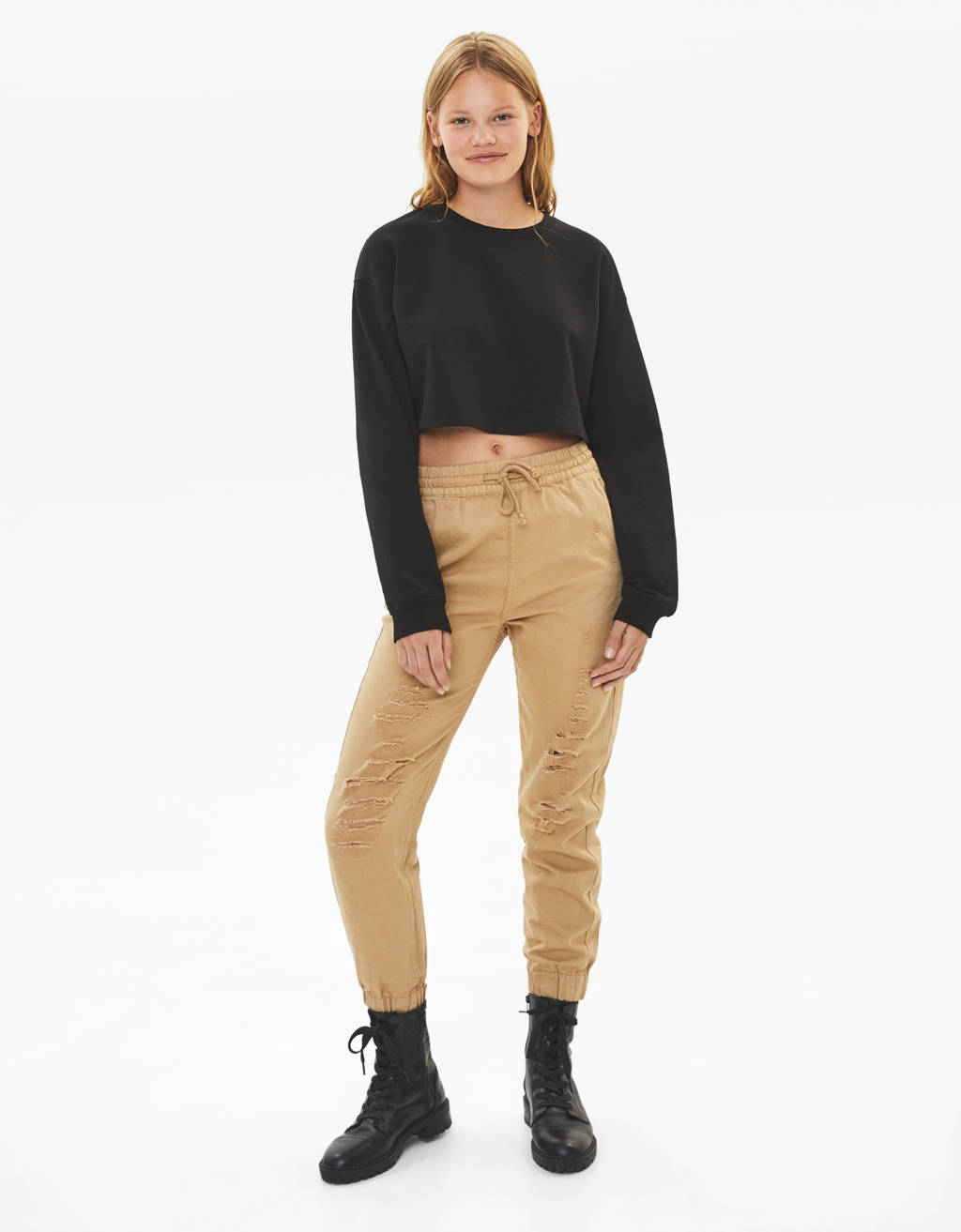 Ripped jogging trousers