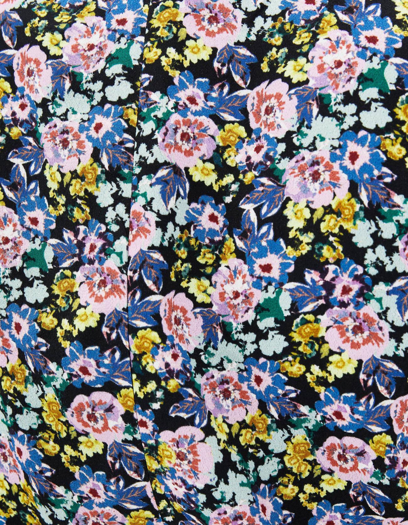 Короткое платье с цветочным принтом ЧЕРНЫЙ Bershka