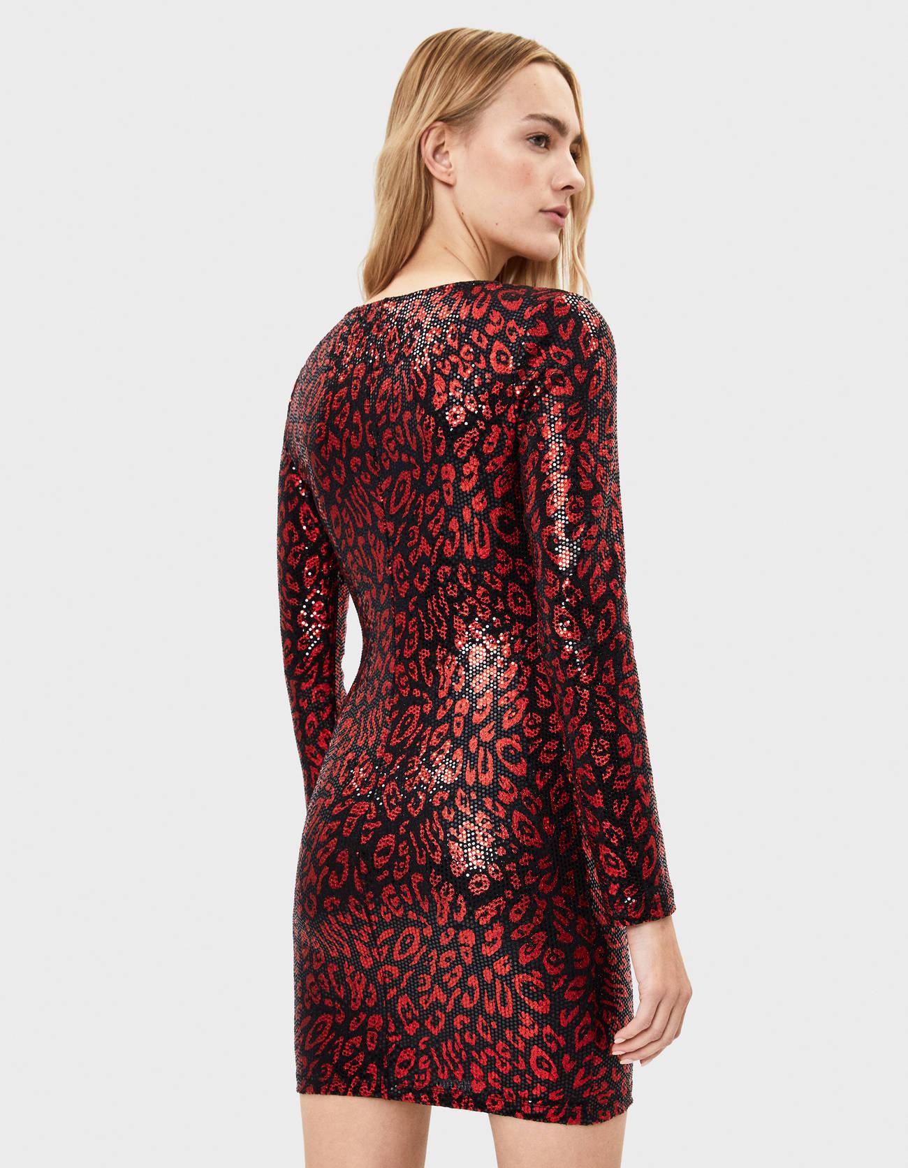 Платье с леопардовым принтом и пайетками Черный Bershka