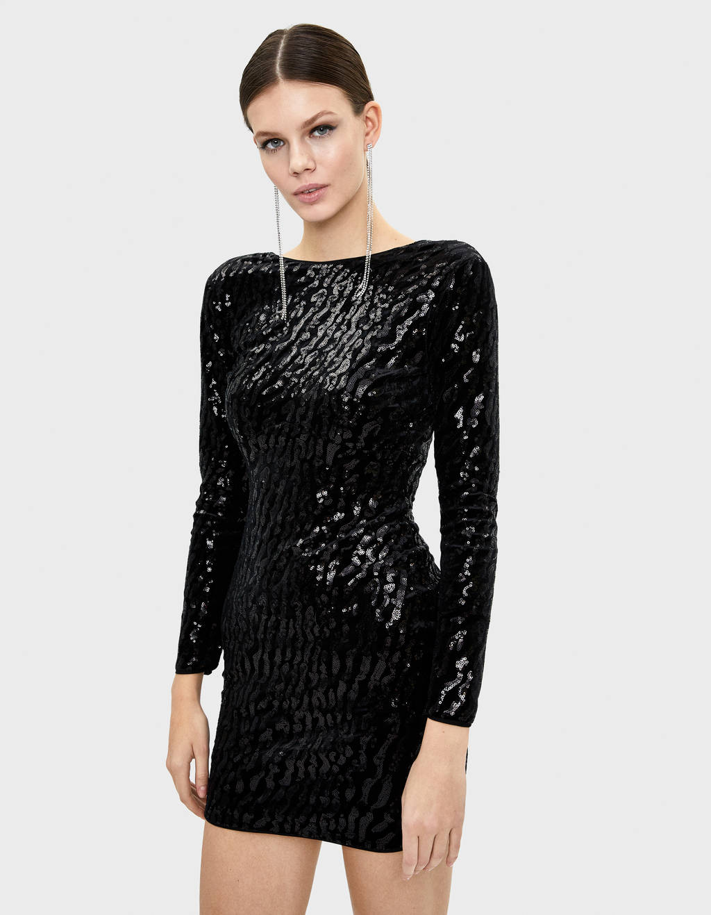 Short sequinned velvet dress