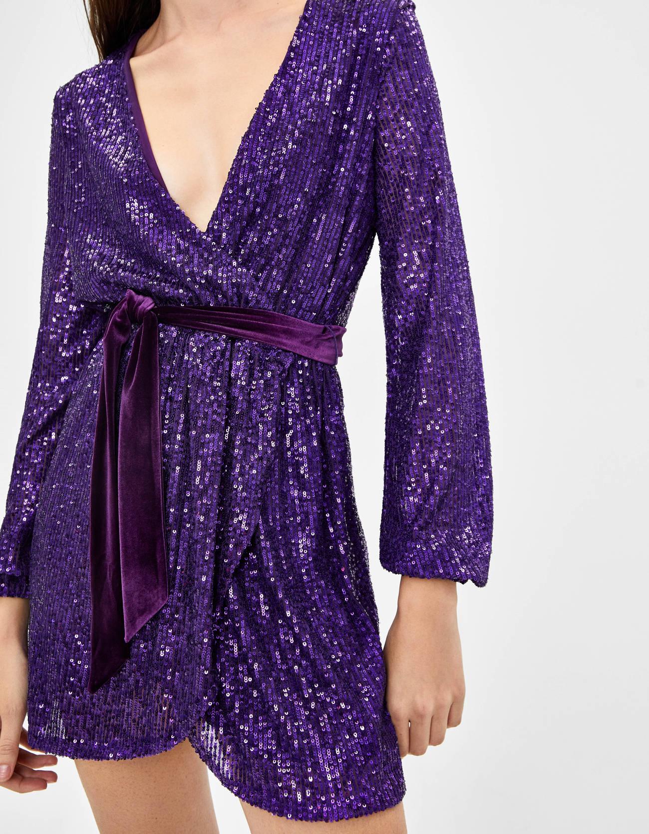 Короткое платье с пайетками Фиолетовый Bershka