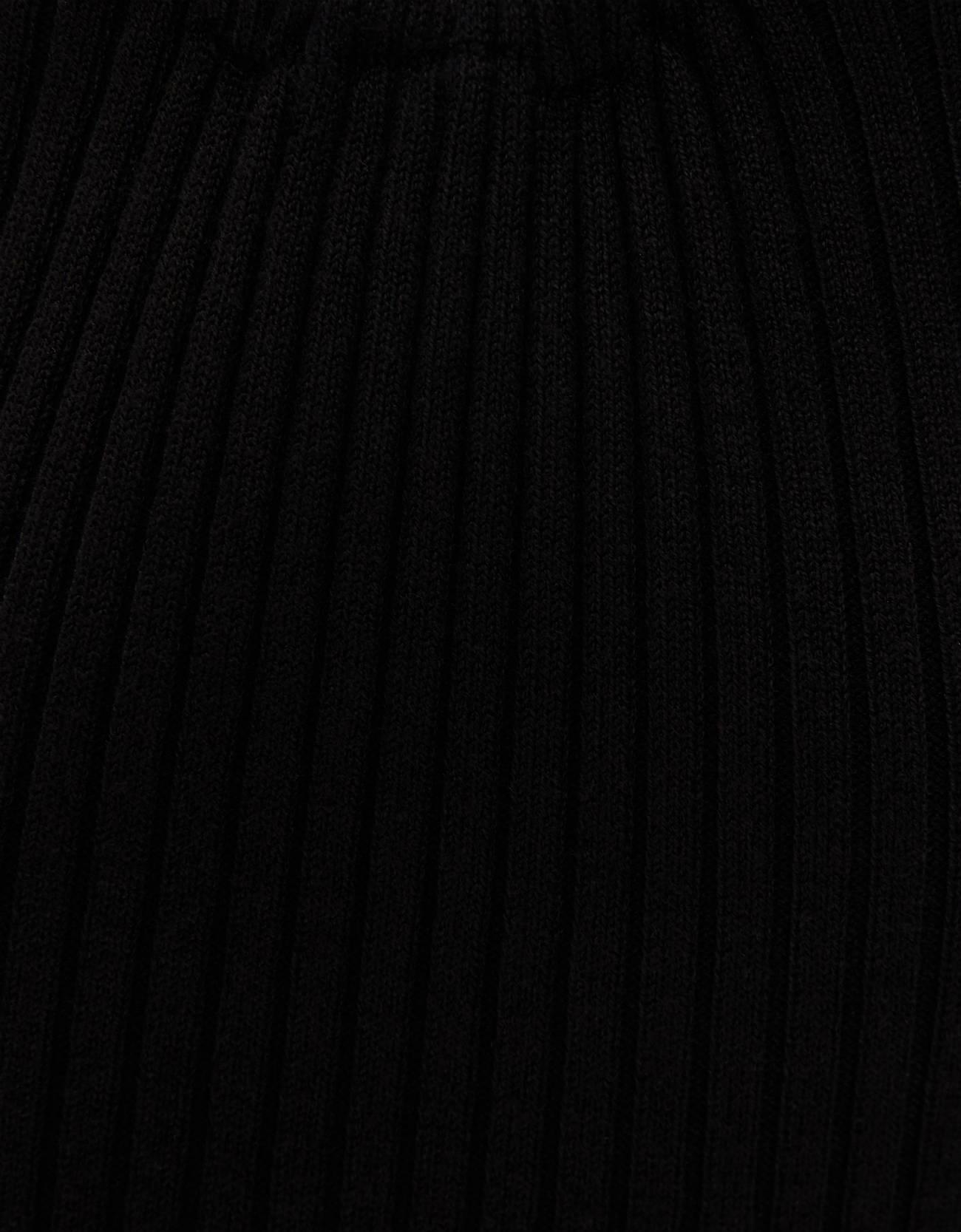 Платье с кольцом на вырезе ЧЕРНЫЙ Bershka