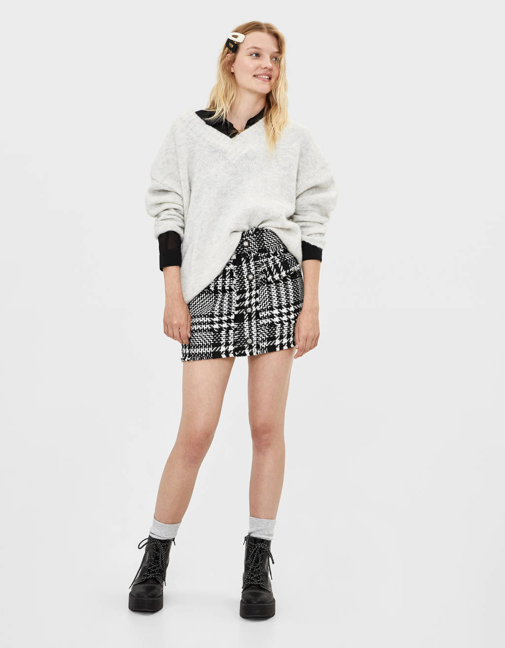 Houndstooth skirt with buttons