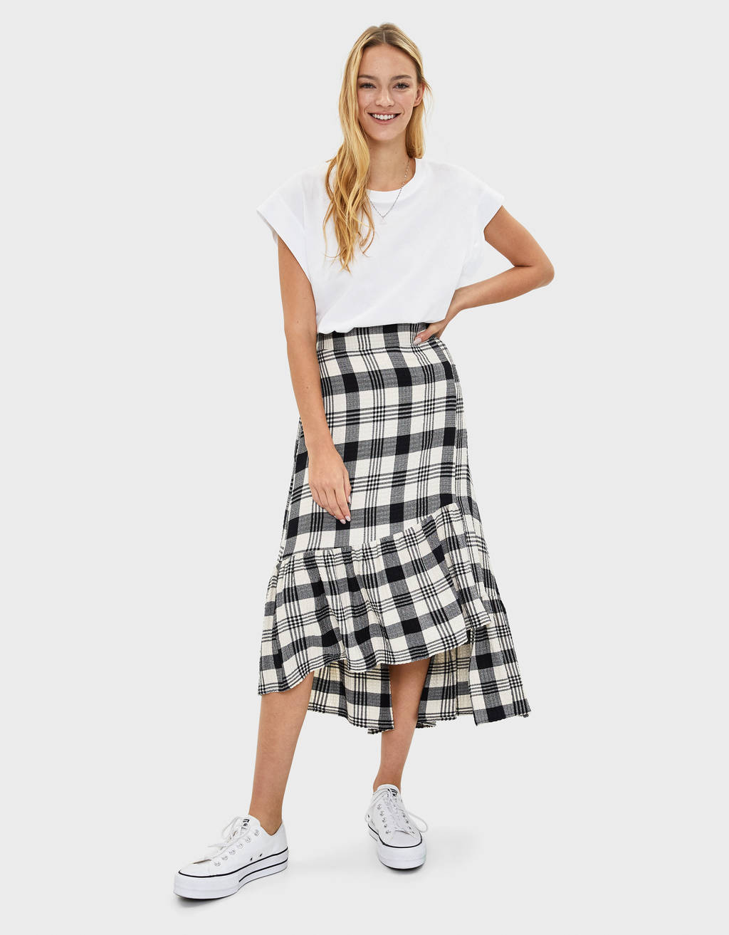 Check skirt with ruffles
