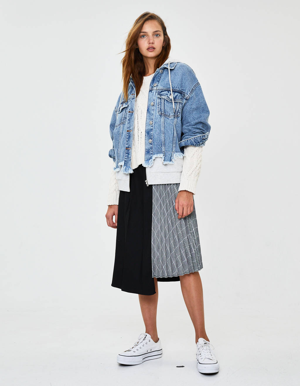 Asymmetric checked pleated skirt