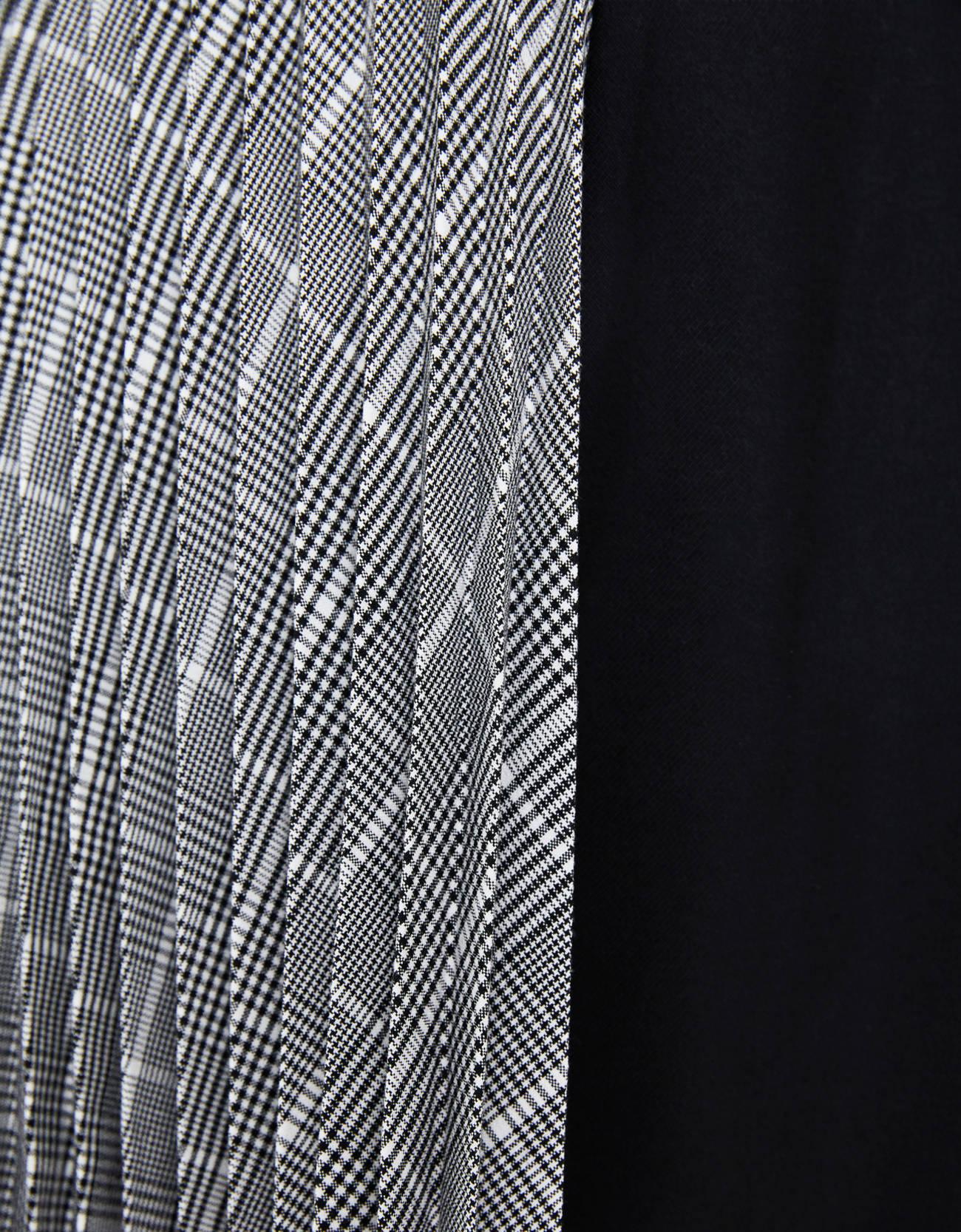 Юбка асимметричного кроя с плиссированной вставкой в клетку ЧЕРНЫЙ Bershka
