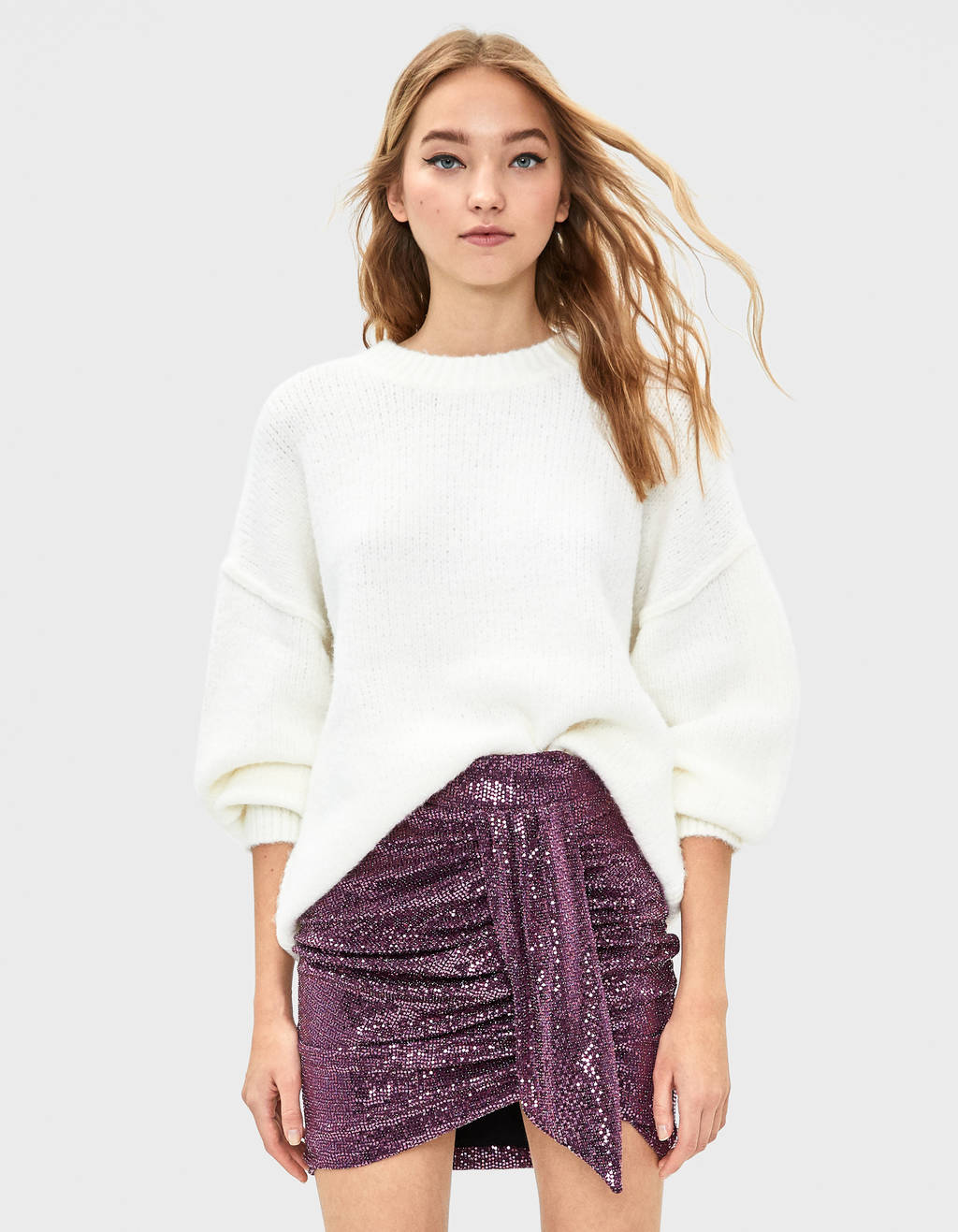 Sequinned skirt with ruched detail