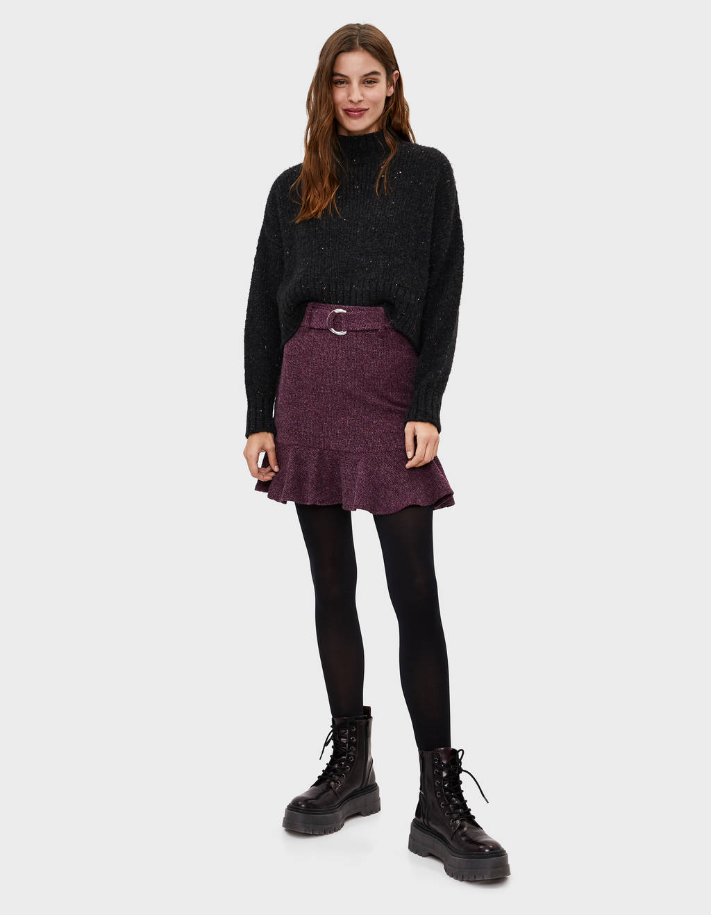 Ruffled skirt with buckle