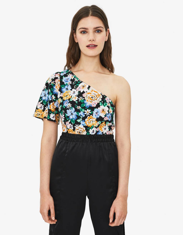 Blusa asimétrica de flores