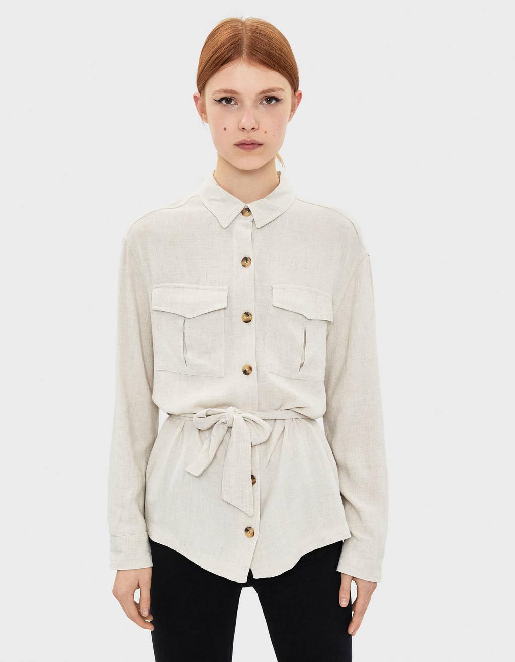 Camisa con cinturón