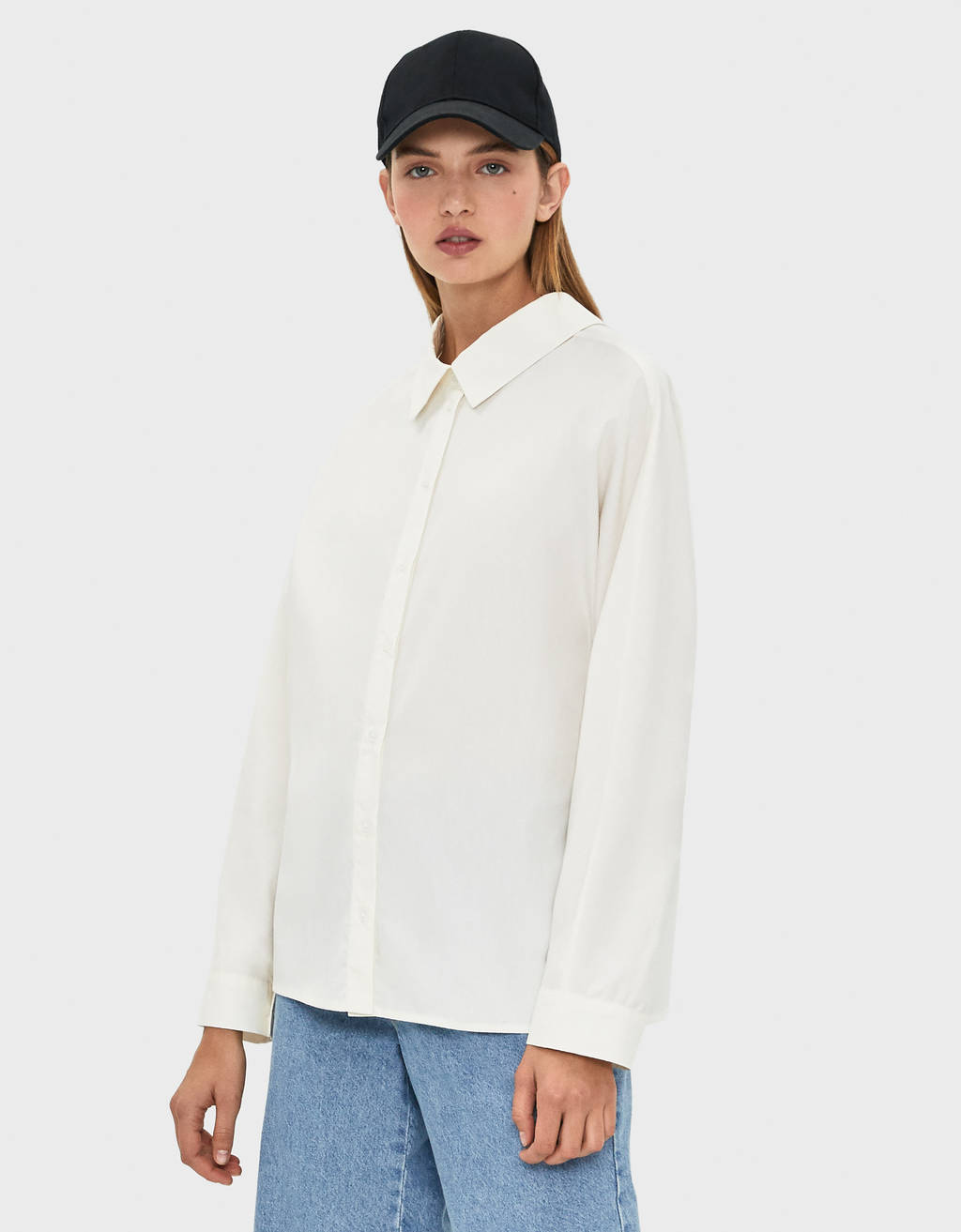 Oversized shirt with bow