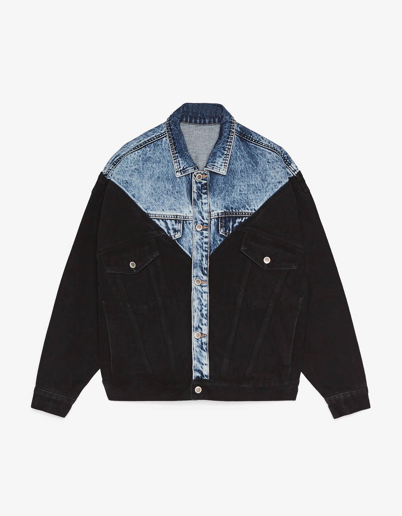 Двухцветная джинсовая куртка ЧЕРНЫЙ Bershka