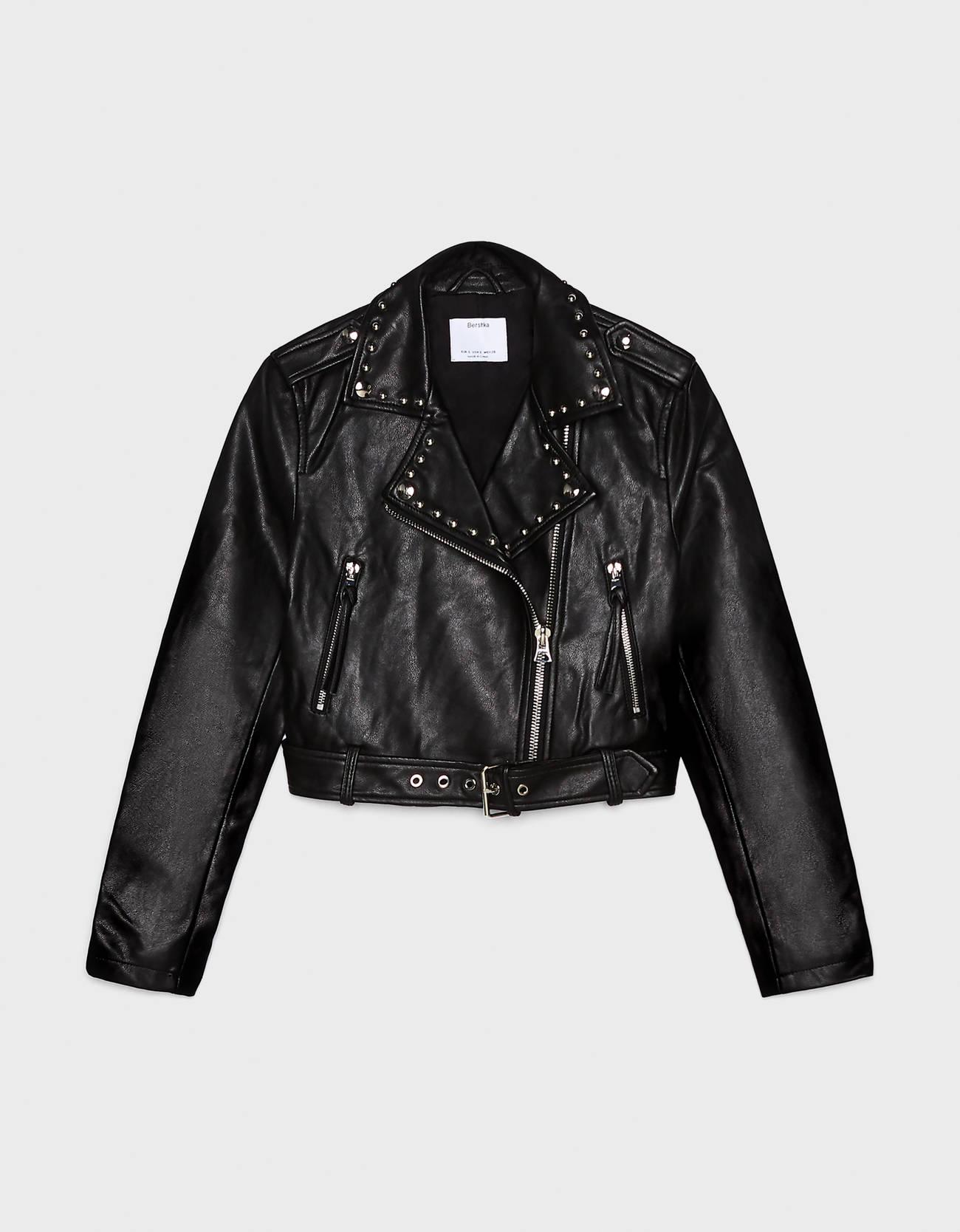 Куртка из искусственной кожи с заклепками ЧЕРНЫЙ Bershka