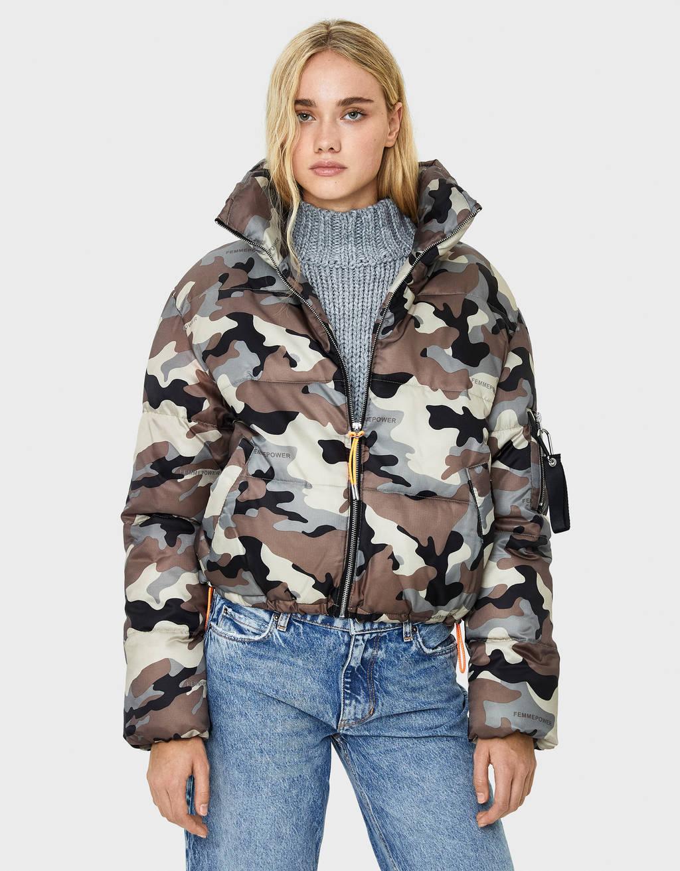 Prošivena jakna s maskirnim uzorkom