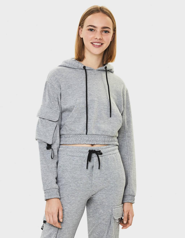 Cropped sweatshirt with hood