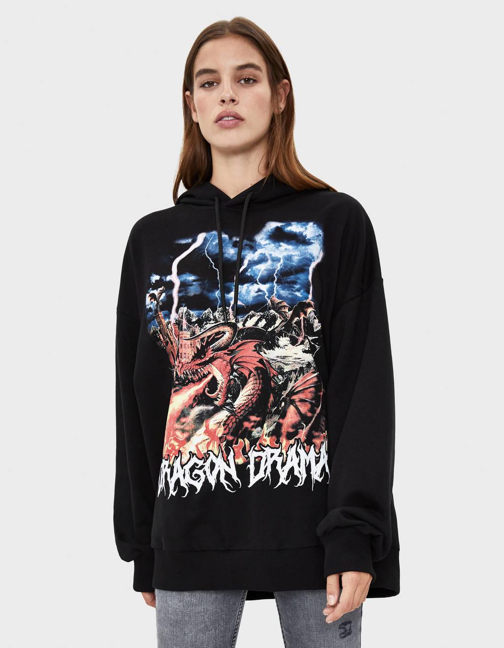 Bedruckter Pullover mit Kapuze