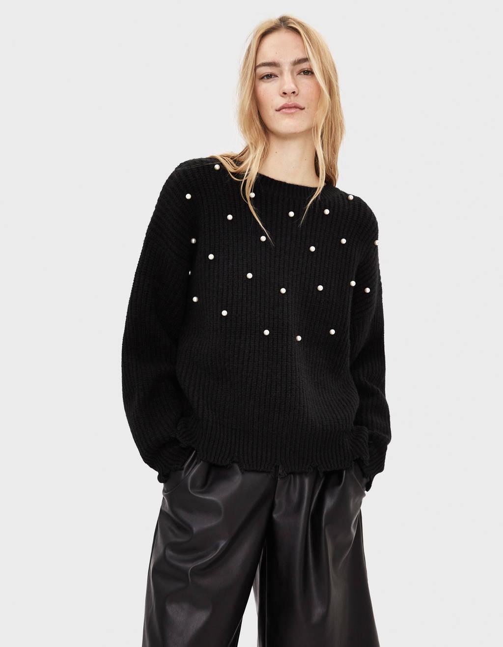 Pullover mit Perlenbesatz