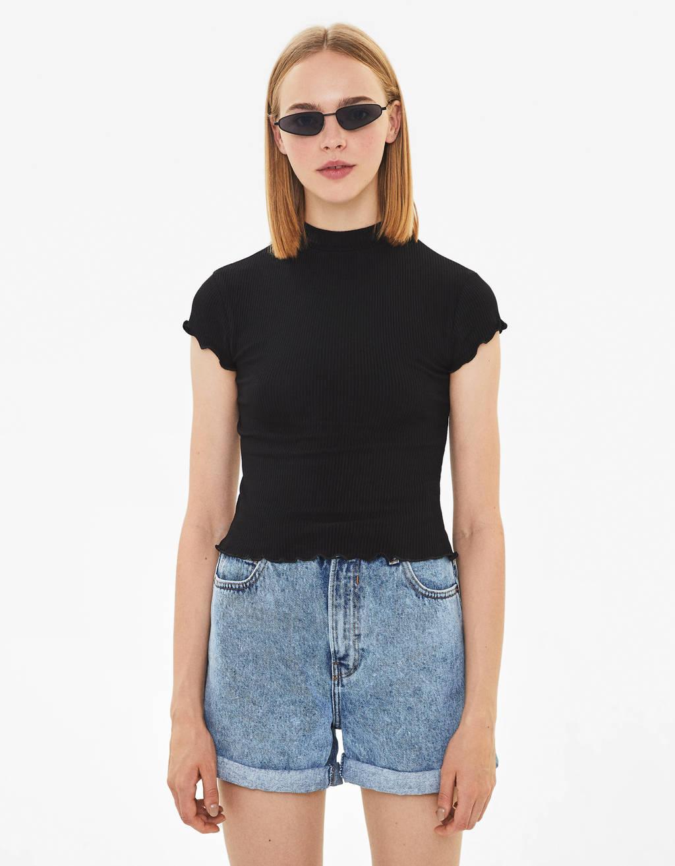 T-shirt à col cheminée