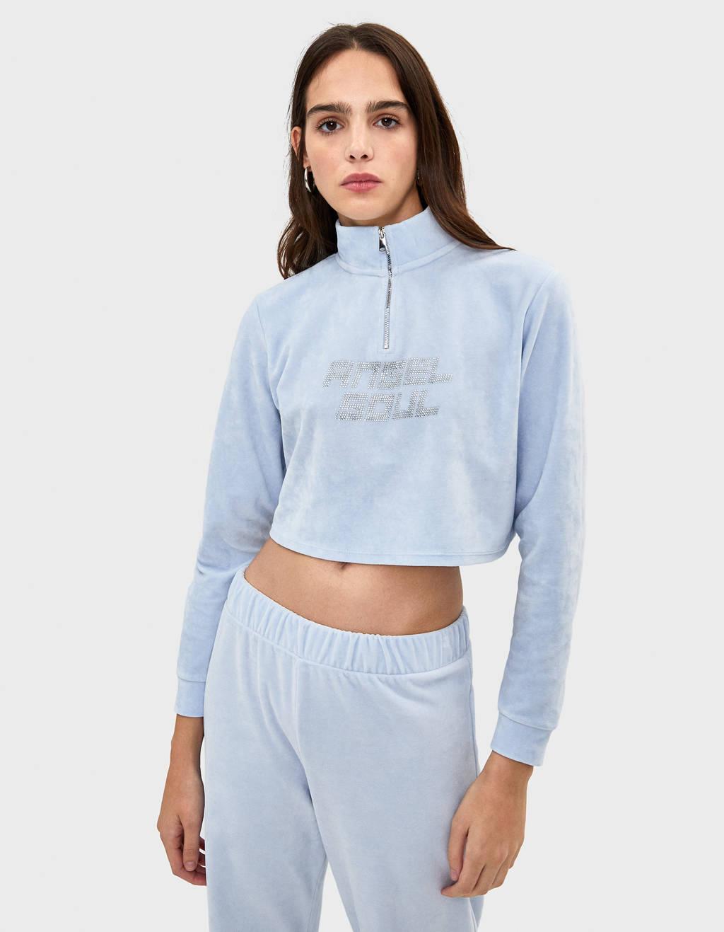 Velvet sweater with shiny details