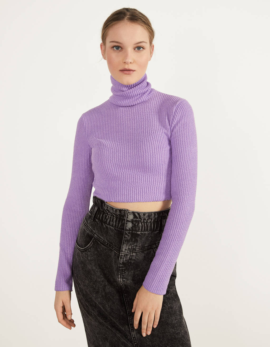 Sweater cropped com gola dobrada