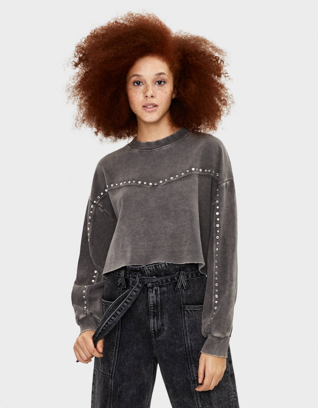 Cropped sweatshirt with studs