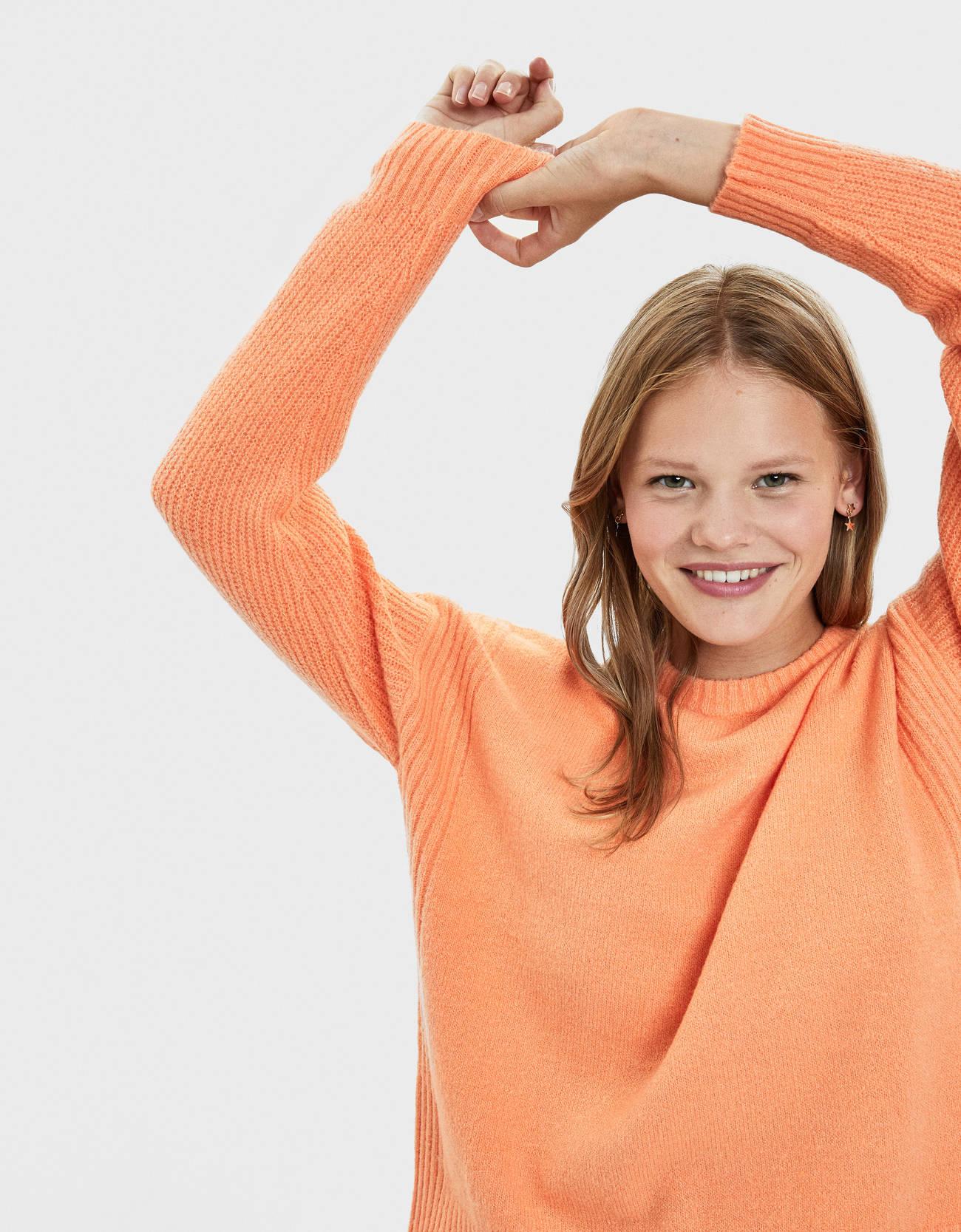 Свитер с круглым вырезом Оранжевый Bershka