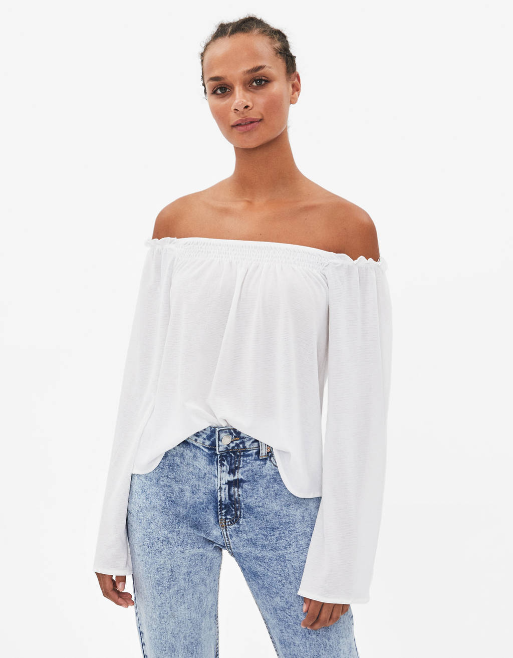Off-the-shoulder long sleeve blouse