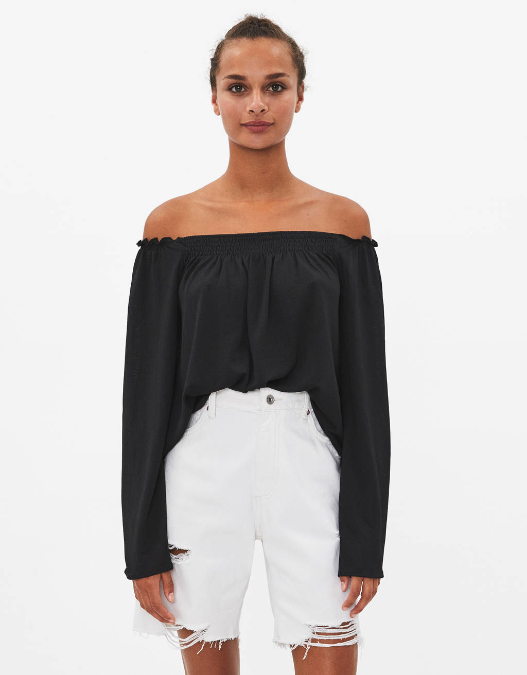 Off-the-shoulder long sleeve T-shirt