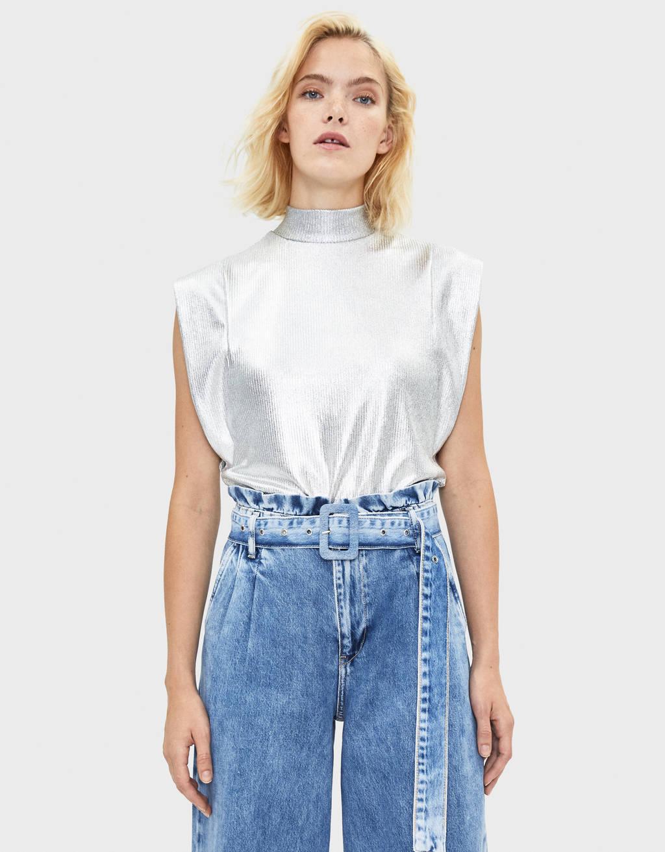 T-shirt med høj hals