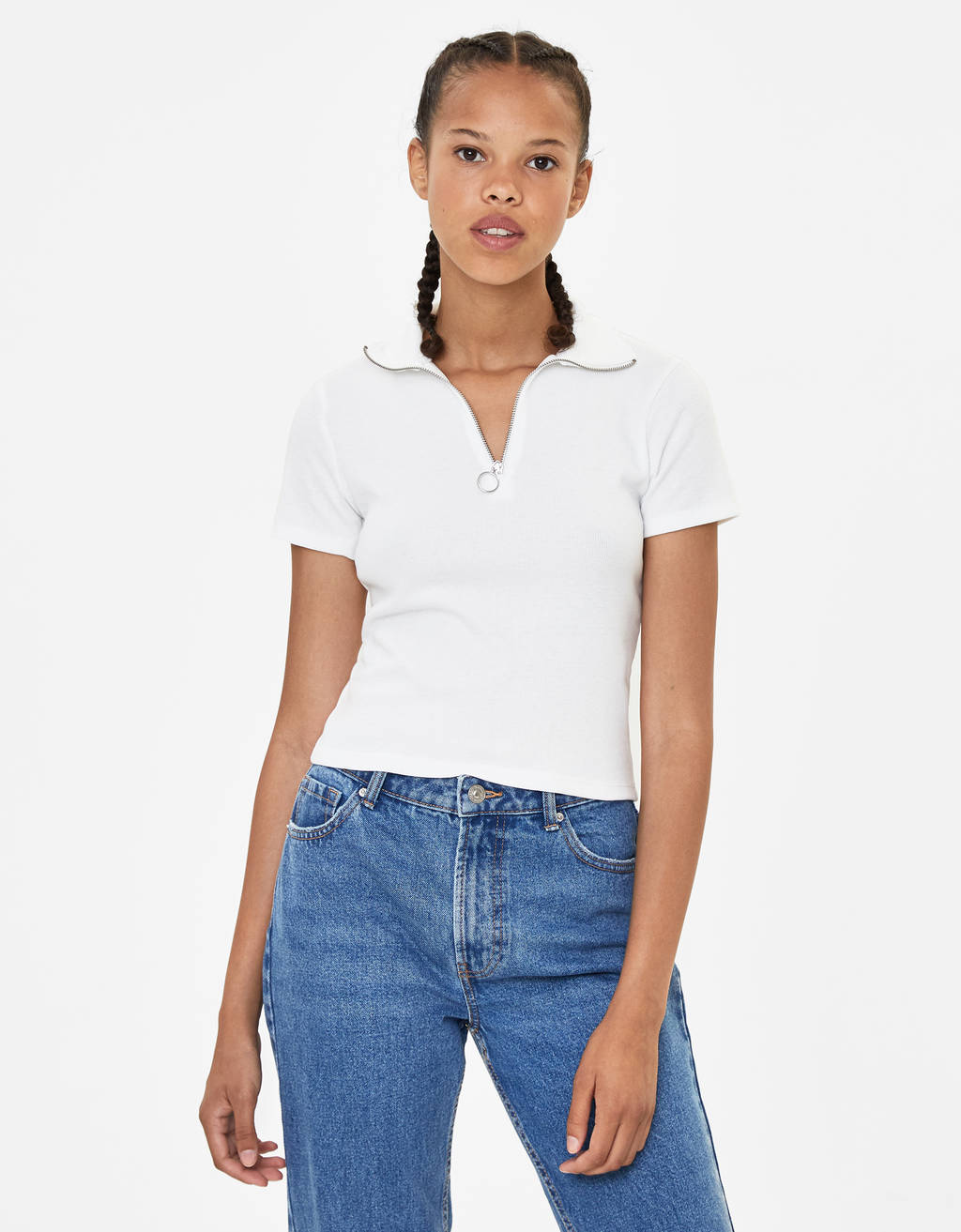 T-shirt with zip