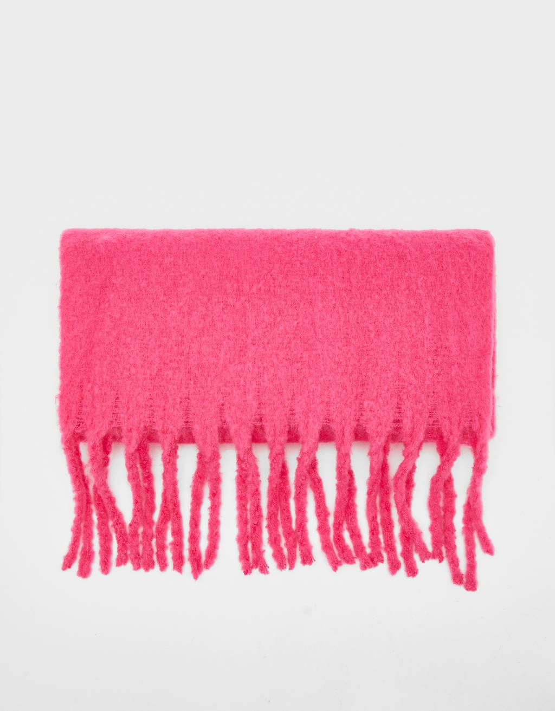 Monochrome neckerchief