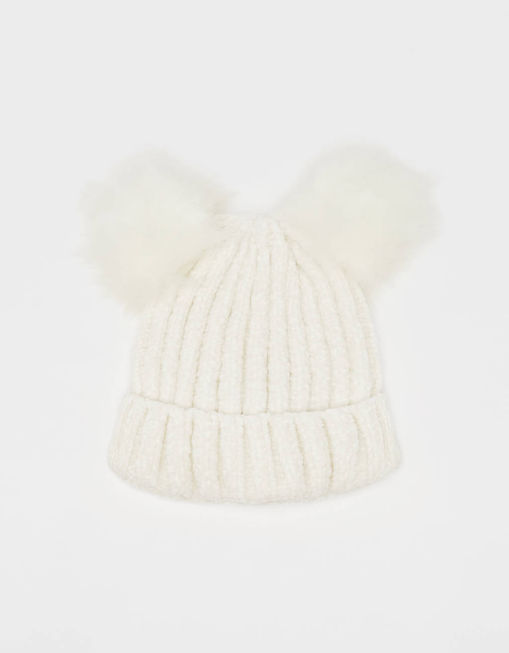 Chenille beanie with pompoms
