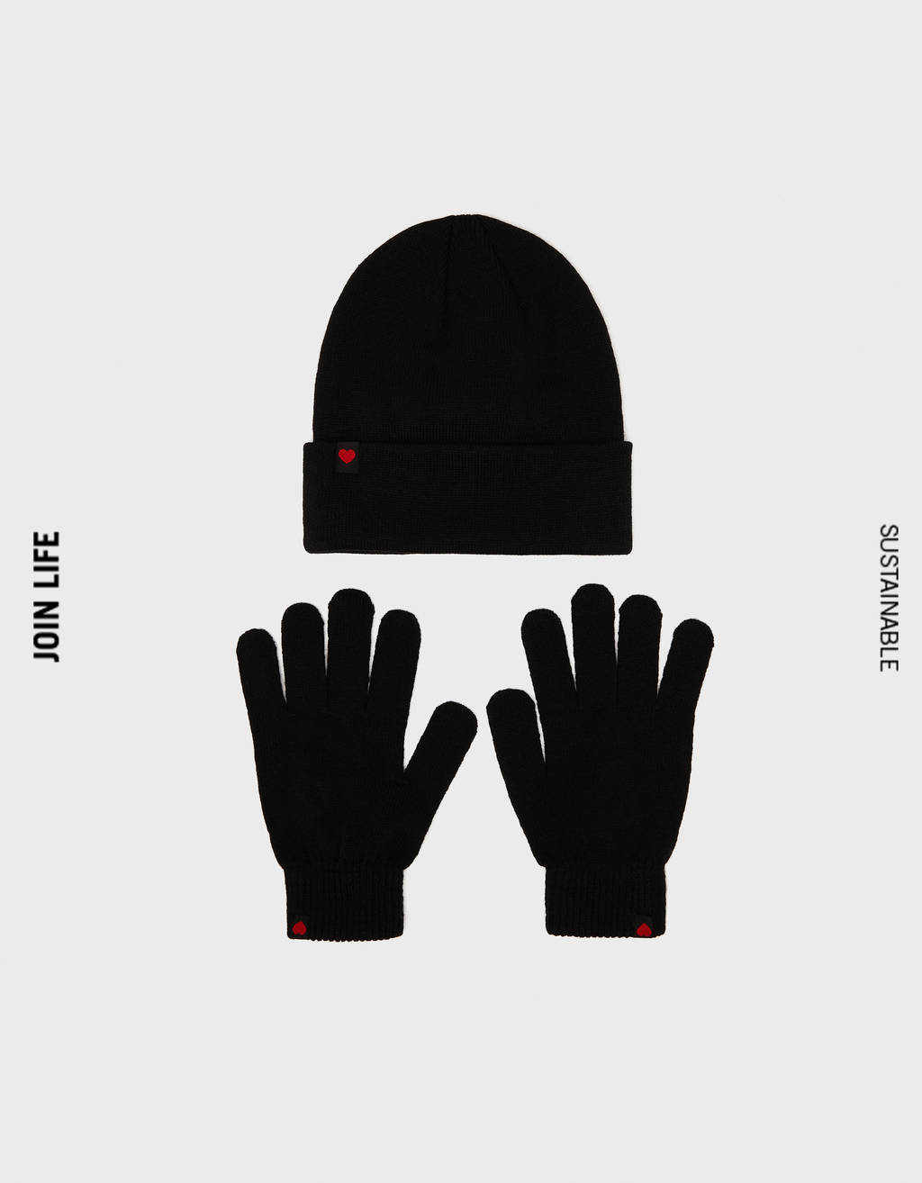 Pack of beanie and gloves with heart