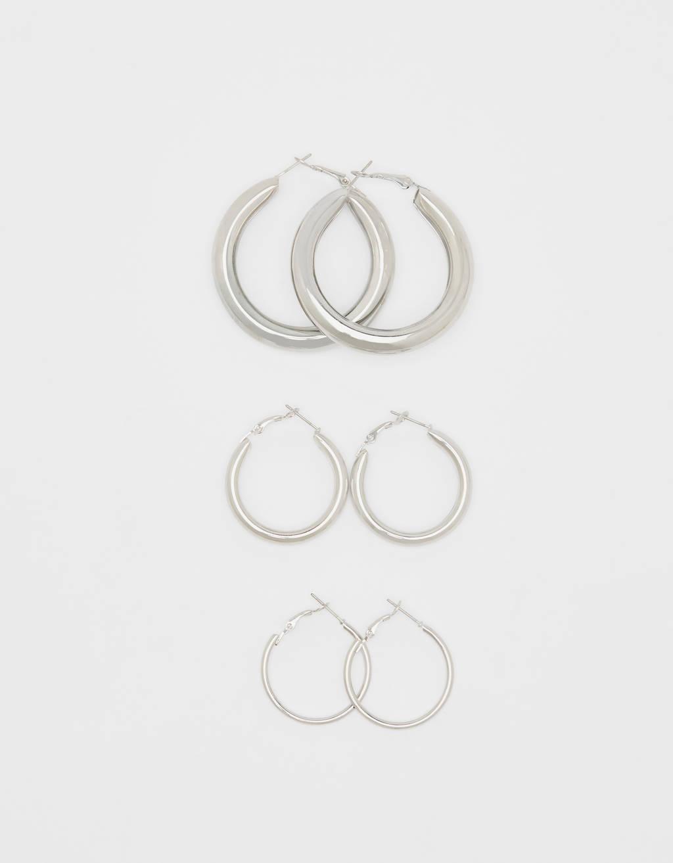 Set of hoop earrings