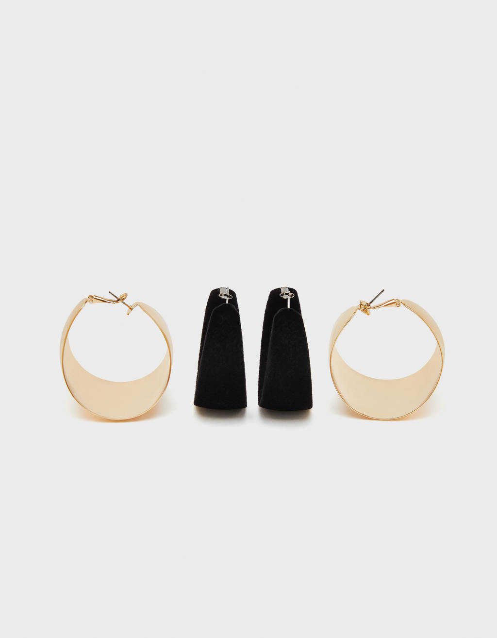 Set of wide hoop earrings