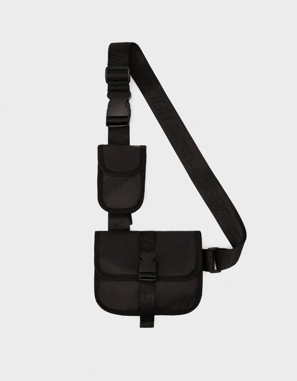 Pouch bag with interchangeable detail