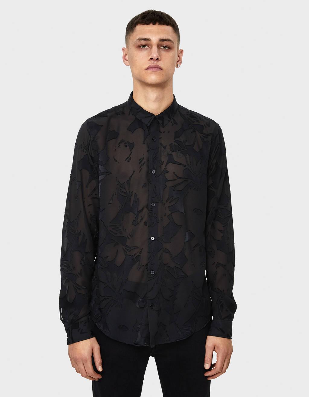Camisa com estampado transparente