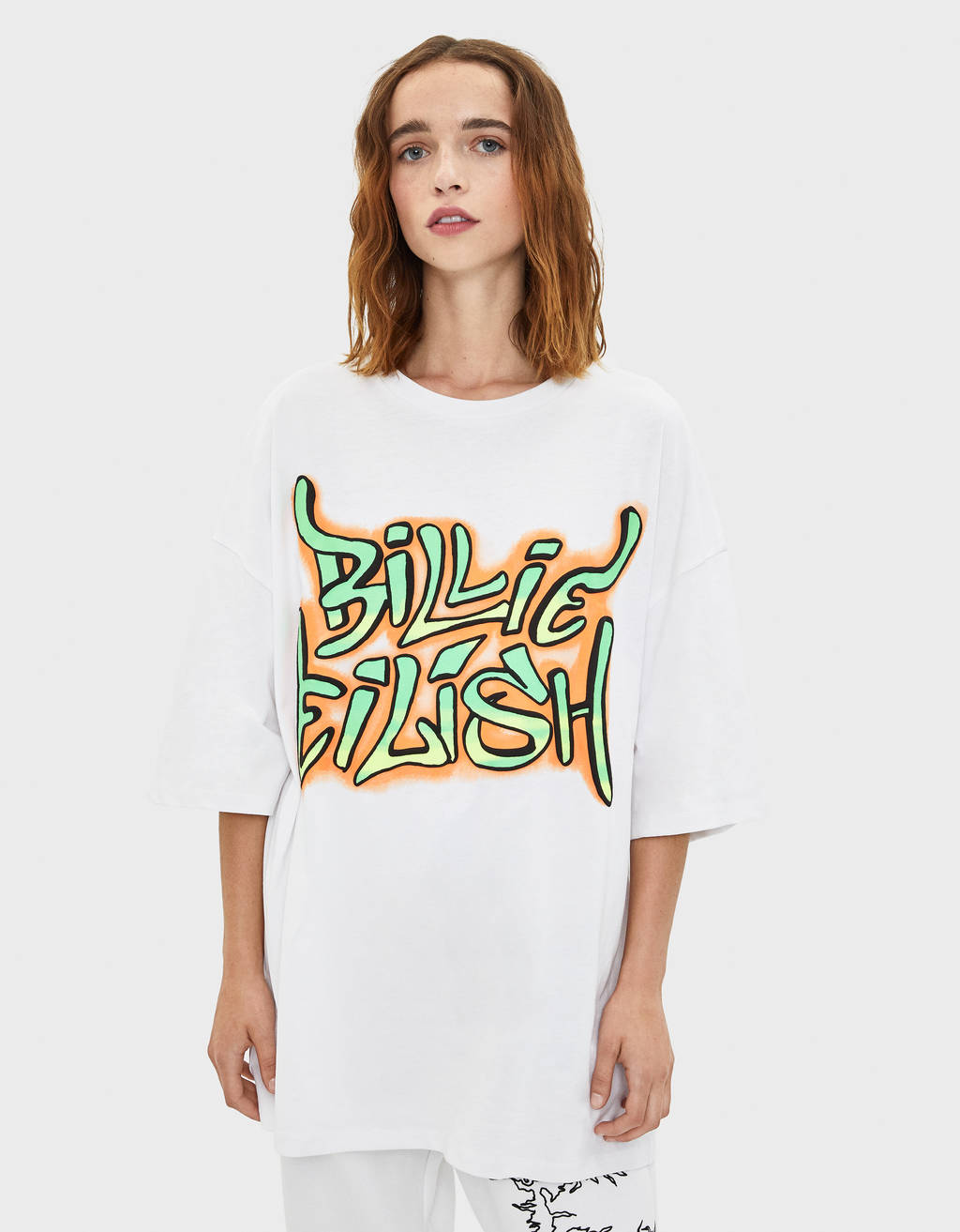 T-Shirt Billie Eilish x Bershka mit Graffiti