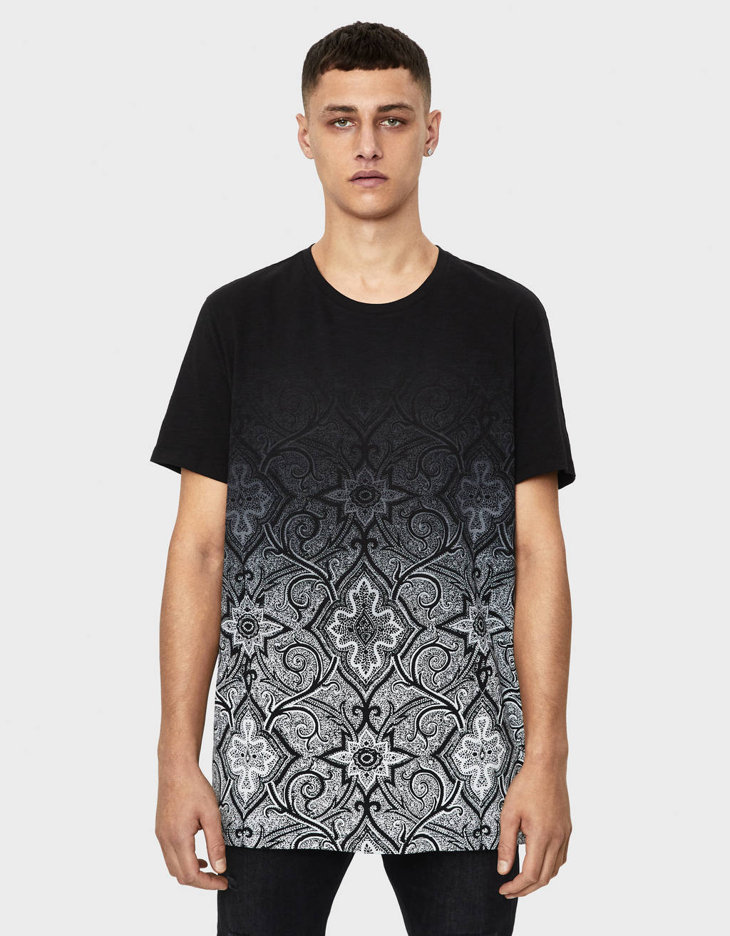 T-shirt com estampado degradé