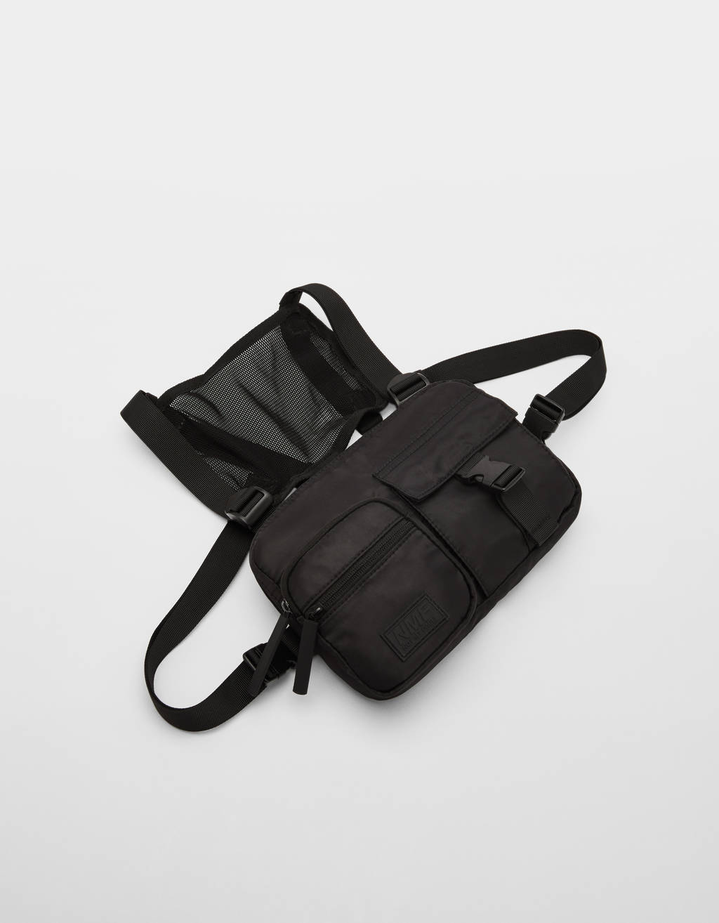Multipocket chest bag