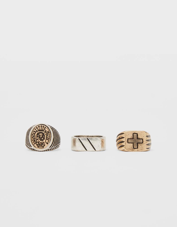 Aranyszínű gyűrűk