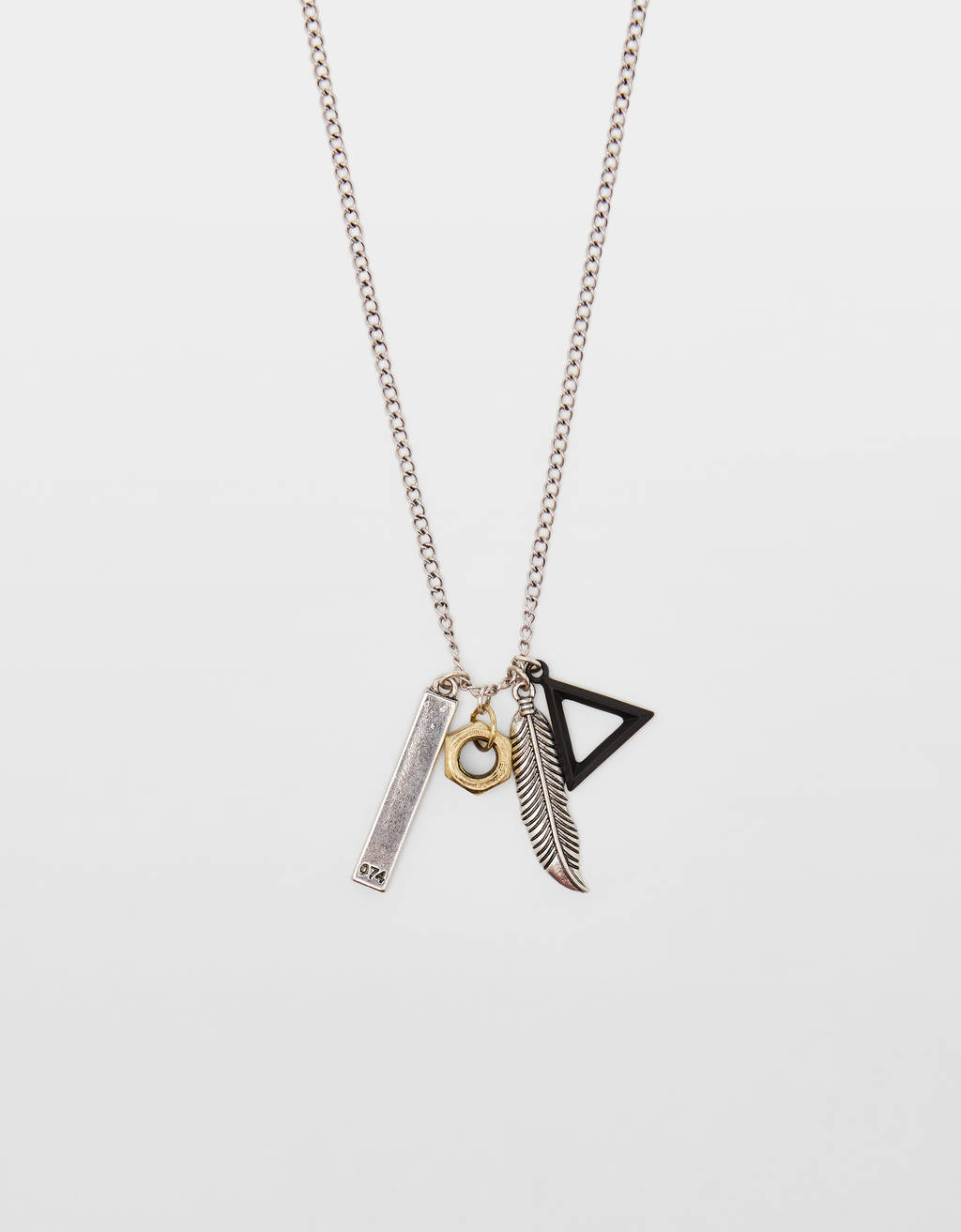 Necklace with geometric pendants