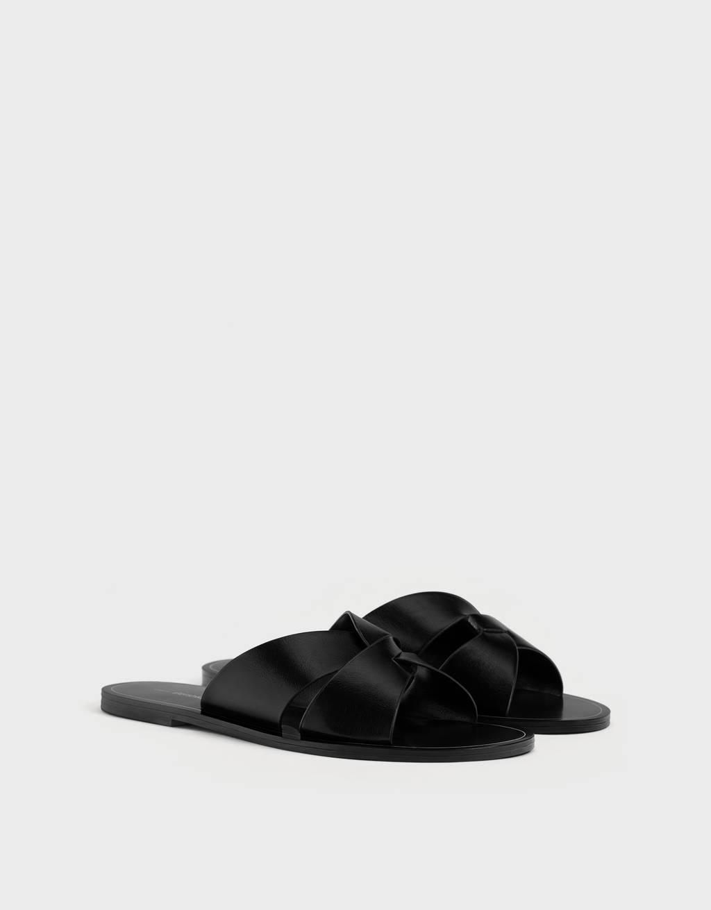Ristrihmadega sandaalid