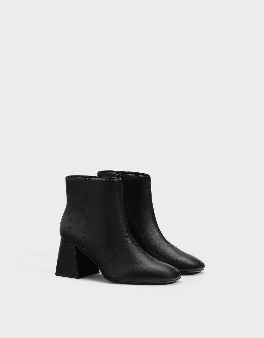 Ankle boots with square heel