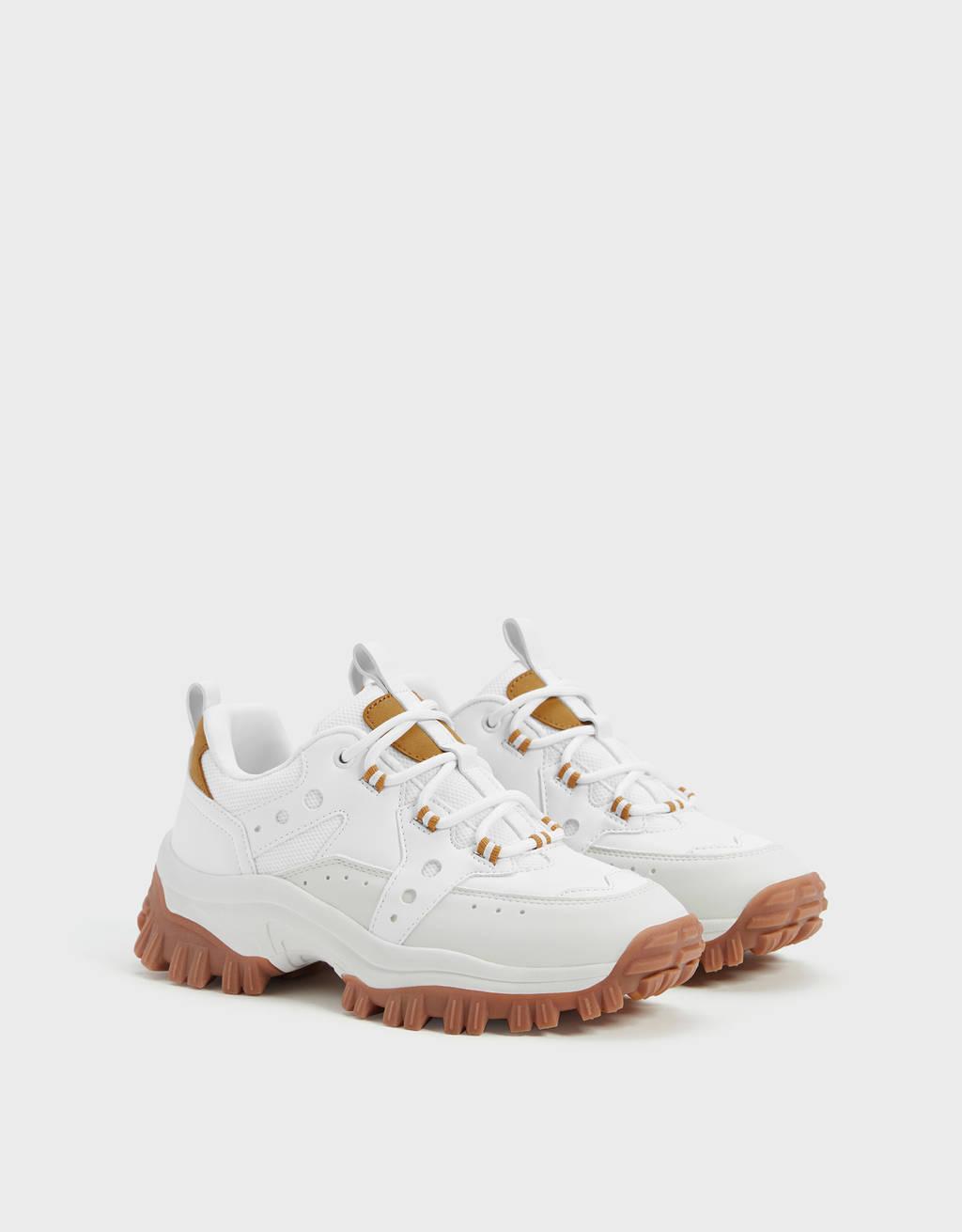 Trekking-Sneaker mit XL-Sohle