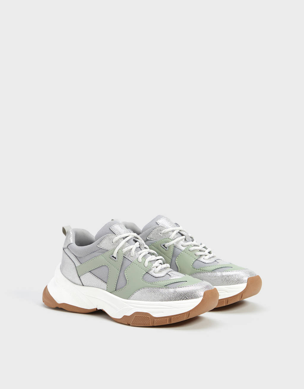 Shiny trainers in contrast materials