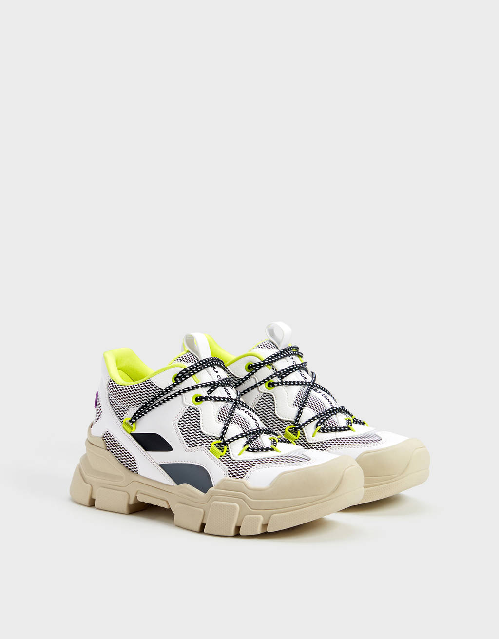 Hiking trainers with neon details