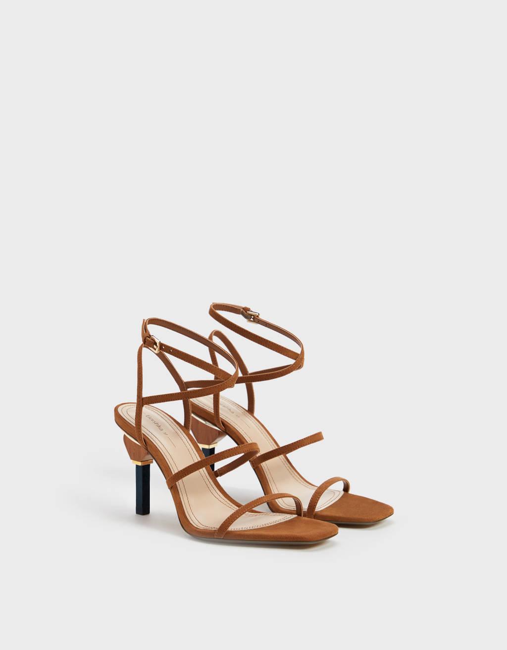 Sandales à talon géométrique