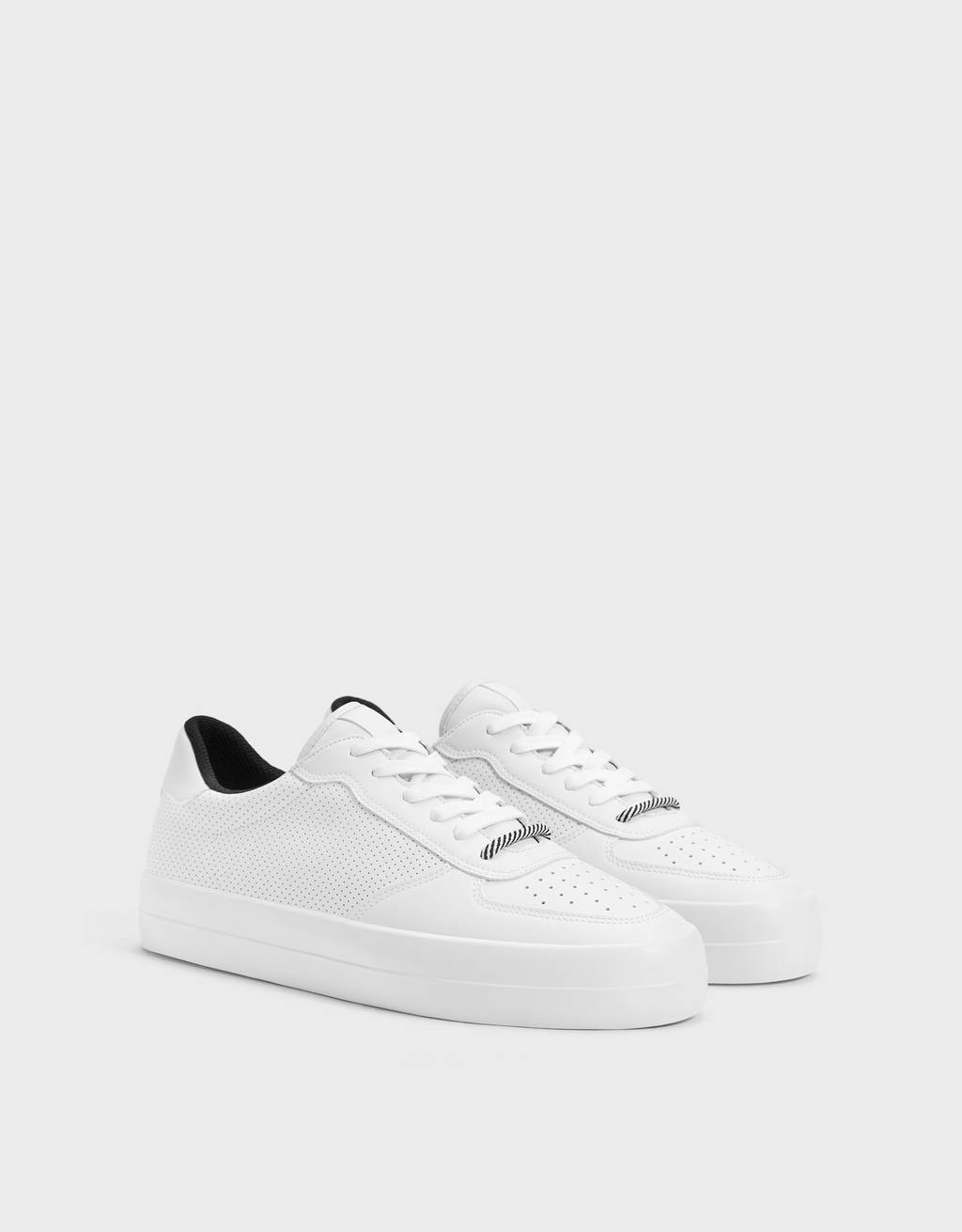 Men's perforated trainers