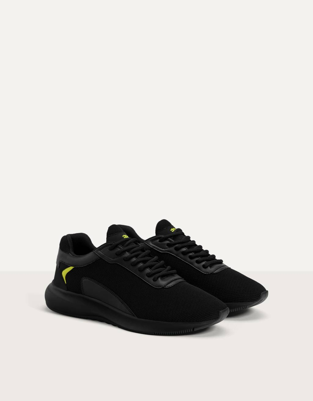 Men's mesh trainers with neon detail